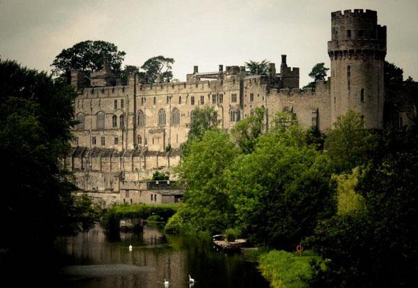 Замок Варвик, Англия