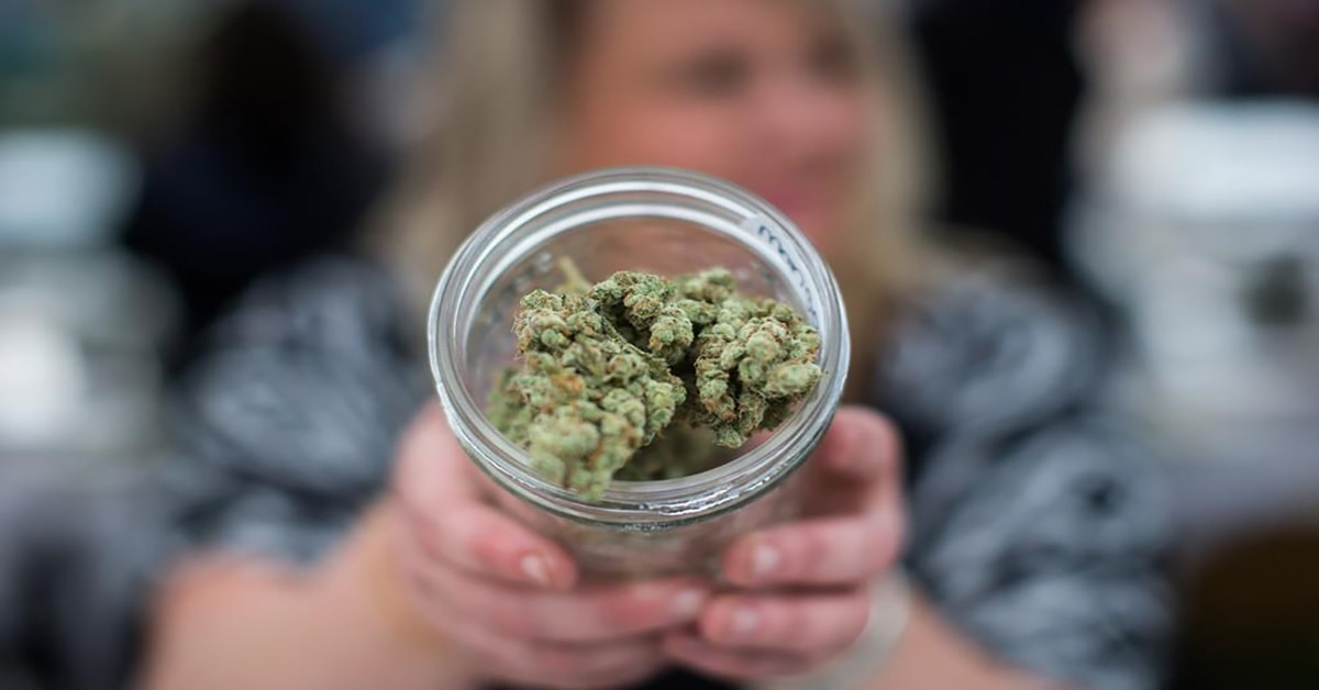 Amazing ways to enjoy cannabis at home when you need to relax