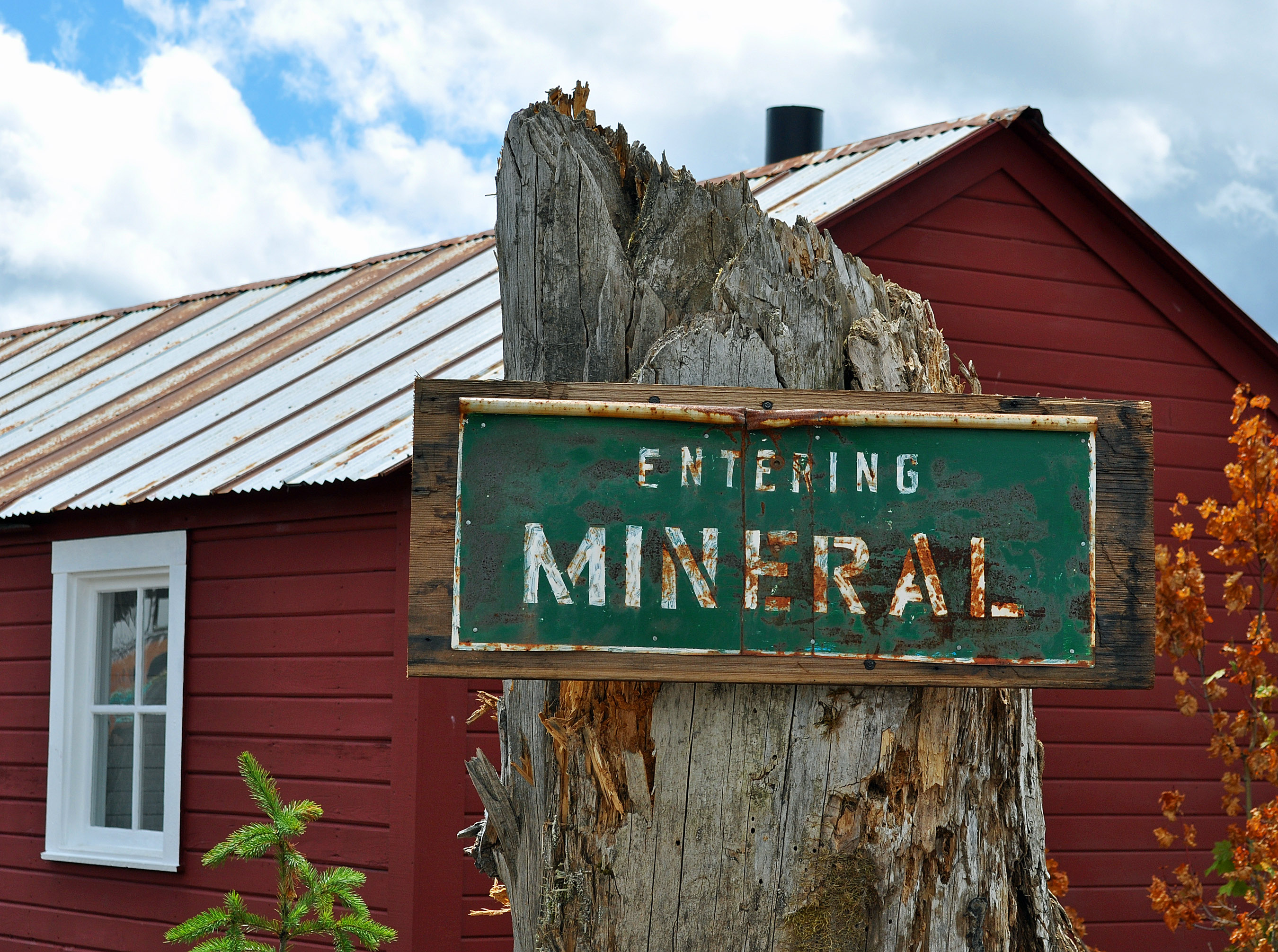 Entering Mineral