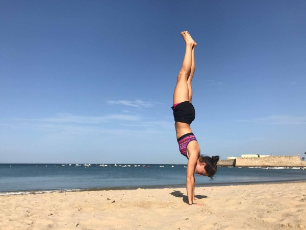 hand stand mtraining