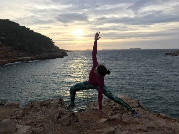 Ibiza atardecer yoga mtraining