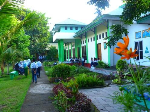 halaman depan aula