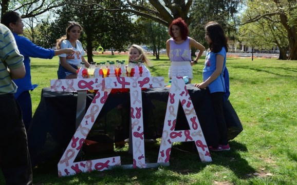 Zeta Tau Alpha offered a ring toss for kids and their families. (Sidelines/Robin Duff)