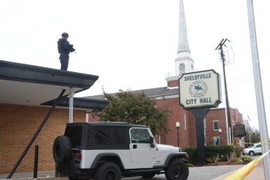 Some officers were visible on rooftops monitoring the crowd at the white nationalist rally on Oct. 28, 2017, in Shelbyville, Tenn. (Anthony Merriweather / MTSU Sidelines)
