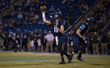 John Urzua throws a pass to the flat against Marshall on October 20, 2017 in Murfreesboro, TN (Devin P. Grimes/MTSU Sidelines).