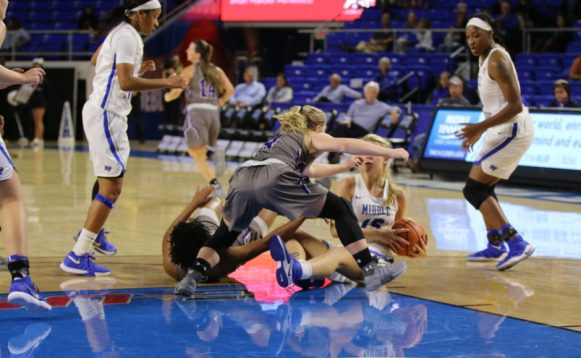 Freshman Anna Jones dives for a loose ball against Trevecca in the Murphy Center on Nov. 2, 2017 in Murfreesboro, Tenn. (Devin P. Grimes / MTSU Sidelines)