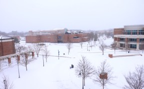 A thick snow covered the campus of Middle Tennessee State University in Jan. 16, 2018 (Devin P. Grimes / MTSU Sidelines).