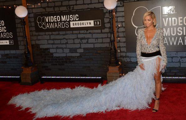 La alfombra roja de los VMAs 2013 - El vestido de Alexandre Vauthier acompañado por Rita Ora