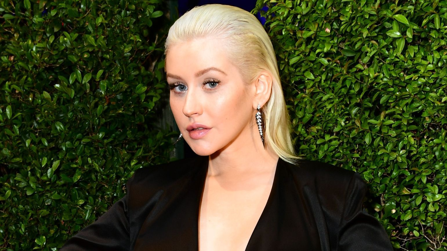 Christina Aguilera Kicks Off Her New Era With A No-Makeup ...