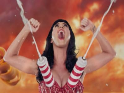 Katy Perry feat. Snoop Dogg 'California Gurls'