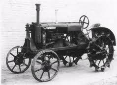 """Трактор """"Универсал"""" 1924 года."""