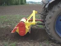 МТЗ с почвообрабатывающим оборудованием