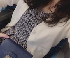 神田キャバクラ【ムーミン(mu-minn)】東京JK制服ラウンジ みどり ワンピースで新幹線