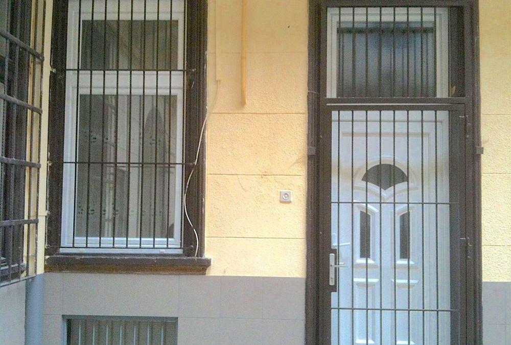 Bontás nélküli ablakcsere a fatokba építés