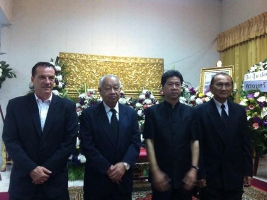 Paying respect to Khun Benja