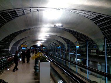 Suvarnabhumi airport - waiting for the gate to open