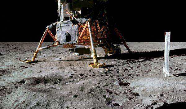 آیا انسان به مهتاب رفته؟