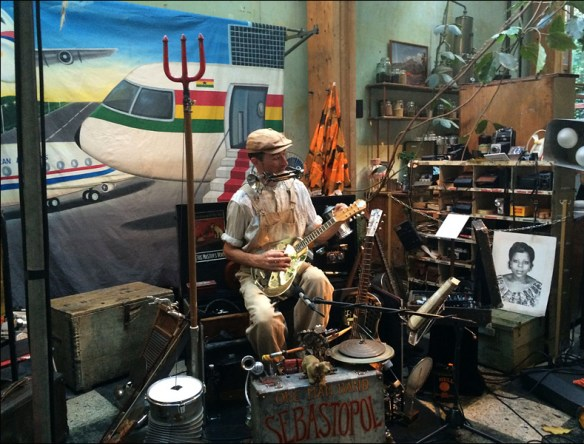 One-man band Sebastopol at'Down South'; pic; Steve Sampson