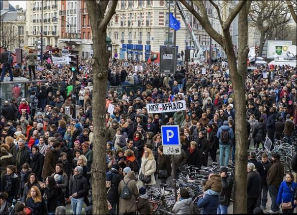 More Charlie, more signs; pic: François Granberg/Maire de Paris