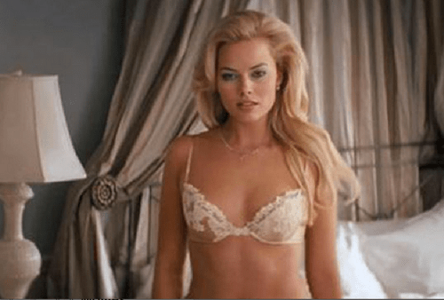 7 GIFs of Margot Robbie hottest girl on Wolf of Wall Street