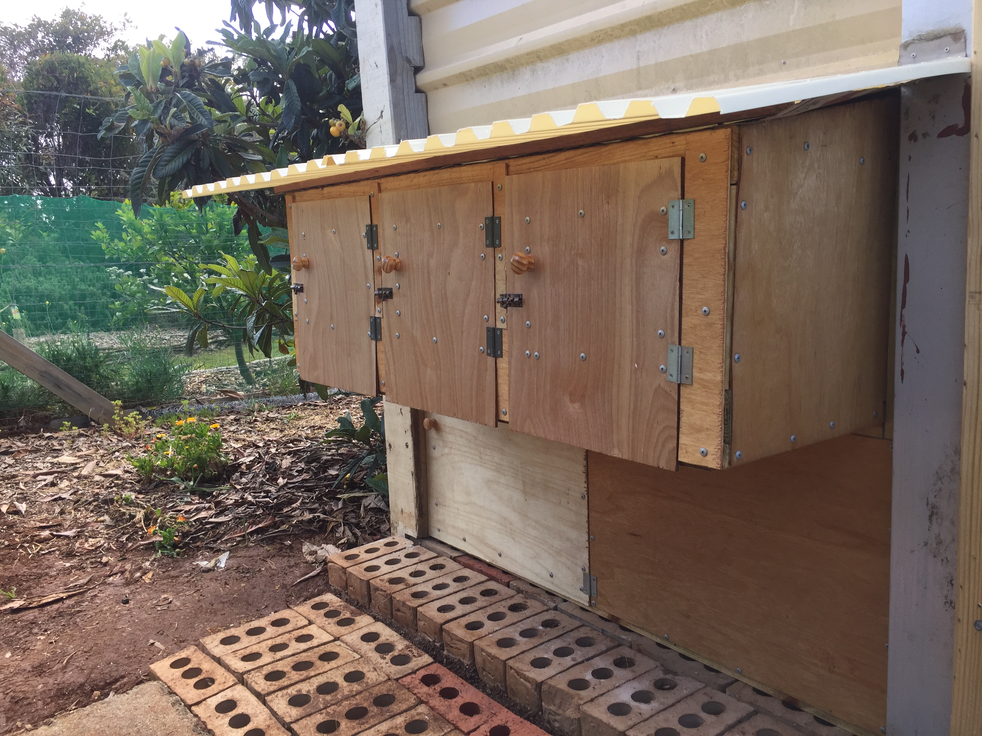 Gcoup – laying boxes outside