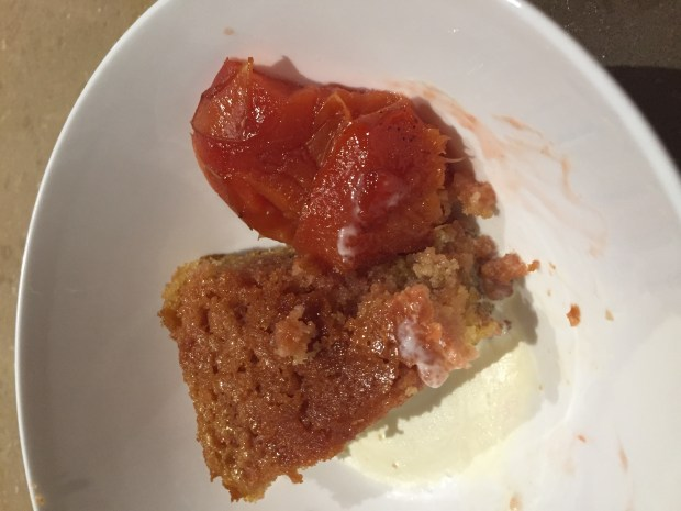 Quince - roasted with semolina cake