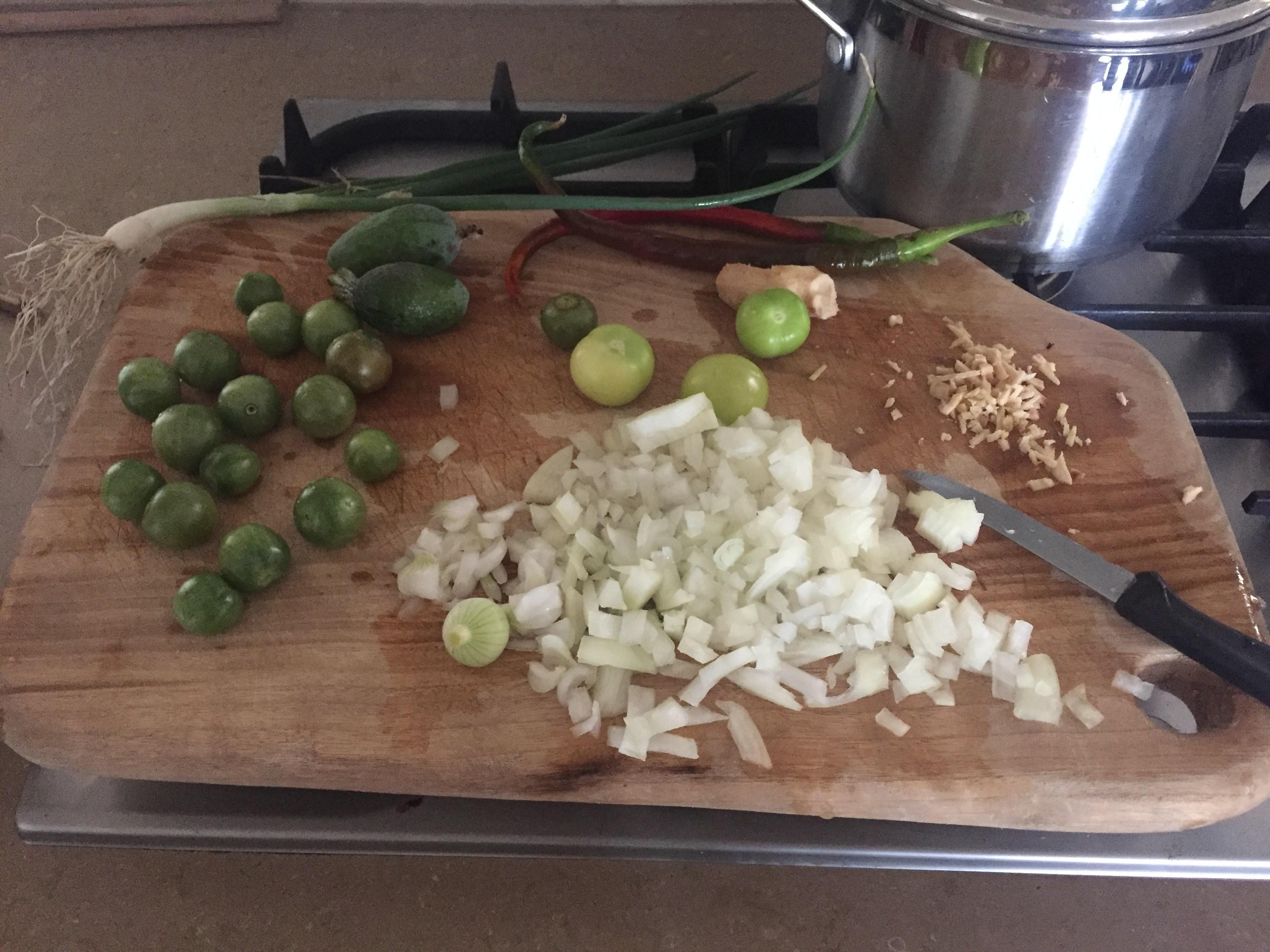 Tomatio – chutney preparation