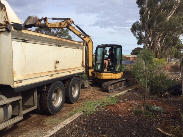 Compost – removing at Dreamland