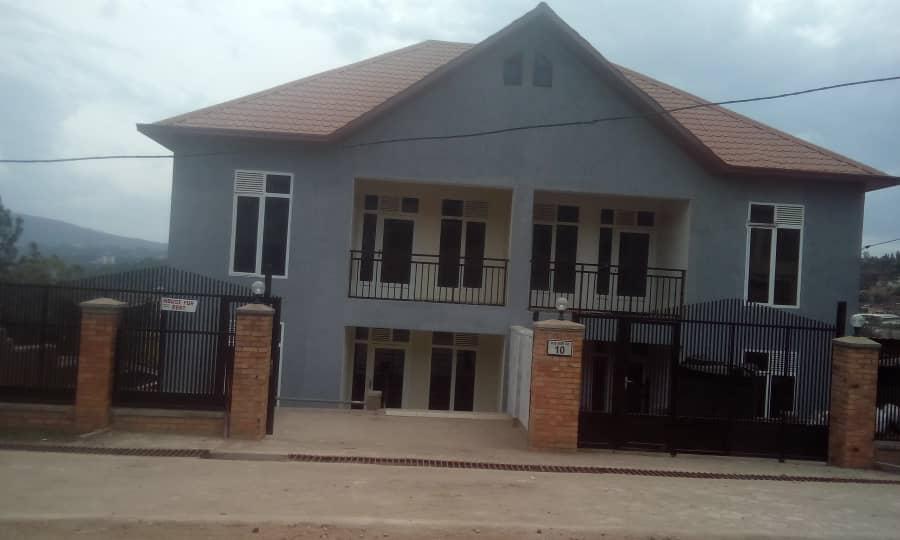 Inzu ya Etage, iri Kigali, Kicukiro ikodeshwa 600,000frw