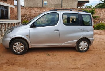 Toyota Verso; Yaris for sale: Year : 2001; Price : 5,300,000frw