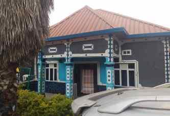 Inzu igurishwa mu Rwanda, Kigali, Nyarugenge, Rwezamenyo  hafi ya Cafe de Nyakabanda; Price: 52,000,000Frw (Negotiable)