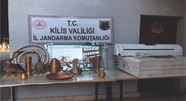 Kilis'te jandarma dedektiflerinden bağ evi hırsızlarına operasyon