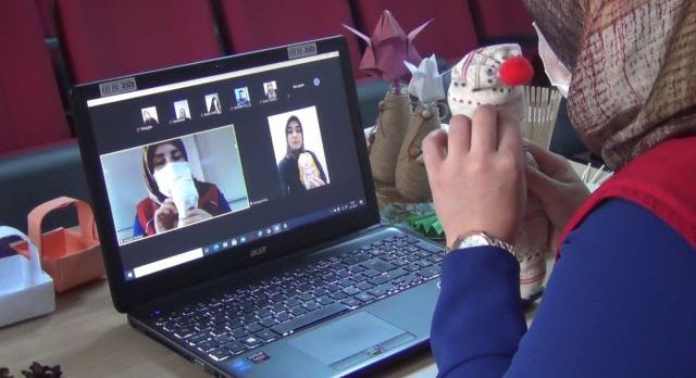 Erzincan'da gençler online eğitimde