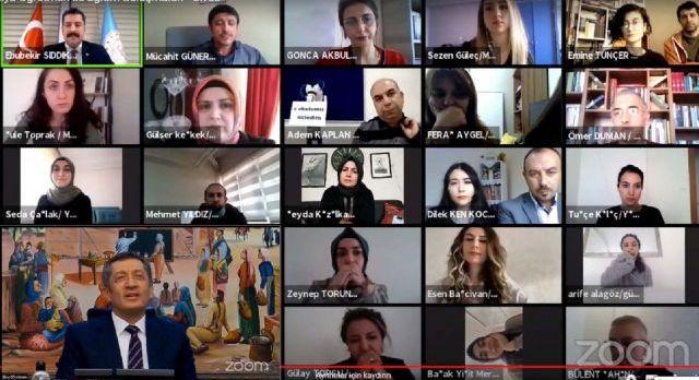 Sivas'ta öğretmenler, 'Ziya Öğretmen' ile buluştu