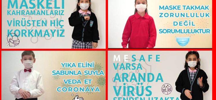 Bursalı öğrenciler sosyal mesafeyi işaret diliyle anlattı