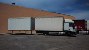 camión transporte mudanzas cerezo