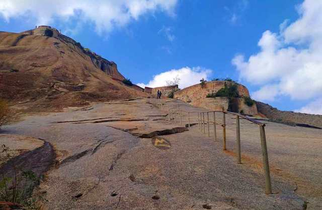 Madhugiri-Trek-Image-Muddie-Trails-Best-Trek-Around-Bangalore
