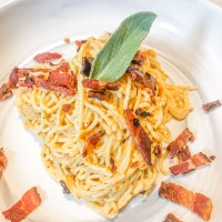 Carrot Purée and Cream Cheese Pasta Carbonara