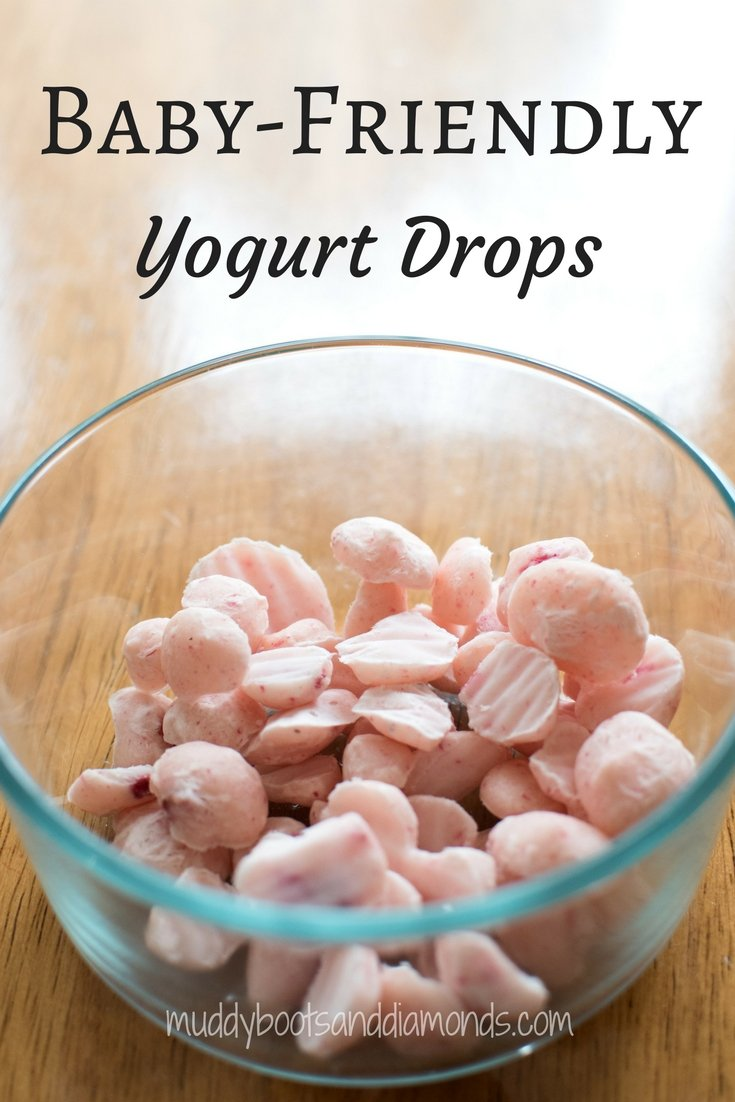 Baby friendly frozen yogurt drops. Great for babies and toddlers! via muddybootsanddiamonds.com