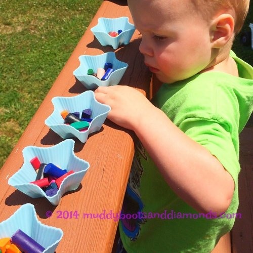 Melting Crayons in the Sun via muddybootsanddiamonds.com