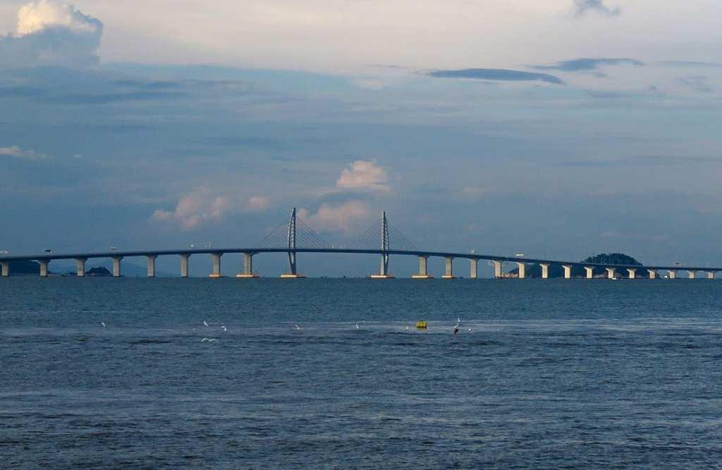Мост в Китае 55 км