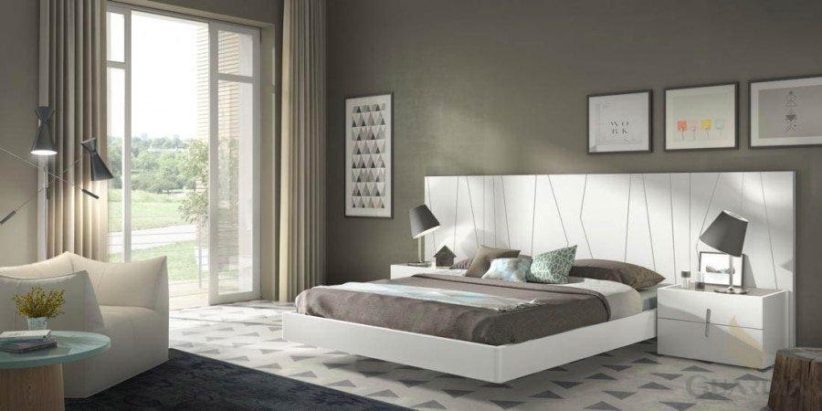 Habitación  con cabezal en blanco