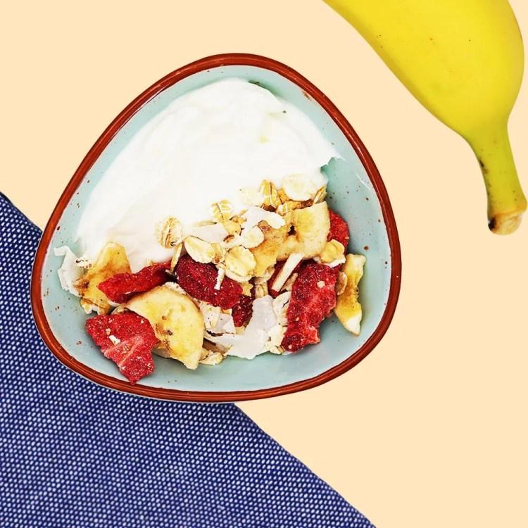 how to eat muesli with yogurt