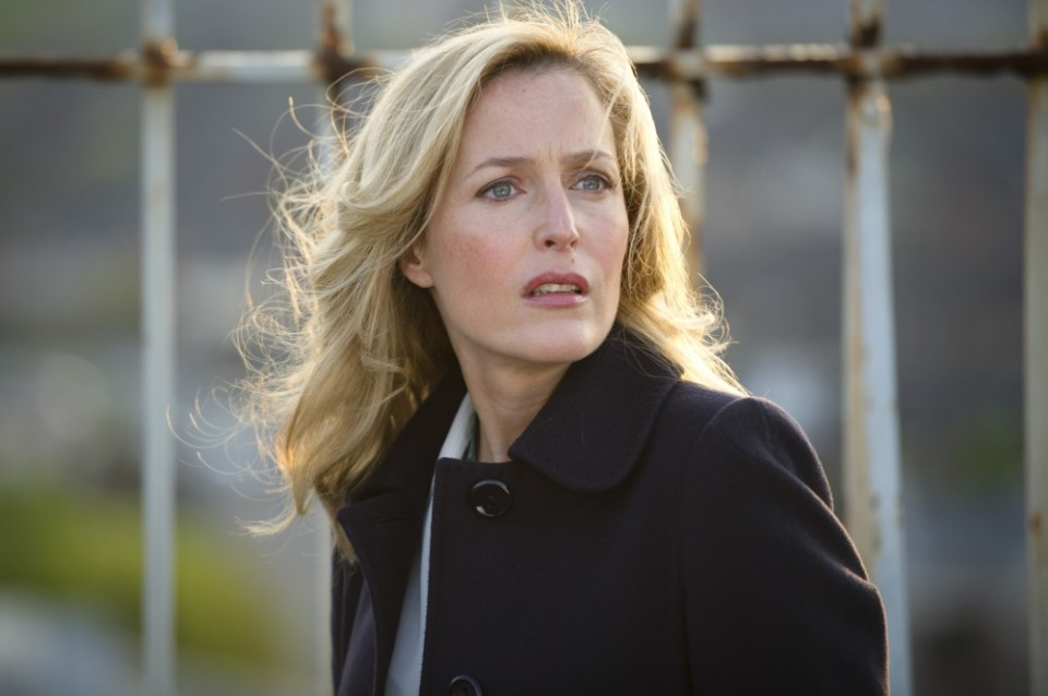 Programme Name: The Fall - TX: n/a - Episode: n/a (No. n/a) - Embargoed for publication until: n/a - Picture Shows: DSI Stella Gibson (Gillian Anderson) - (C) Artists Studio - Photographer: Steffan Hill