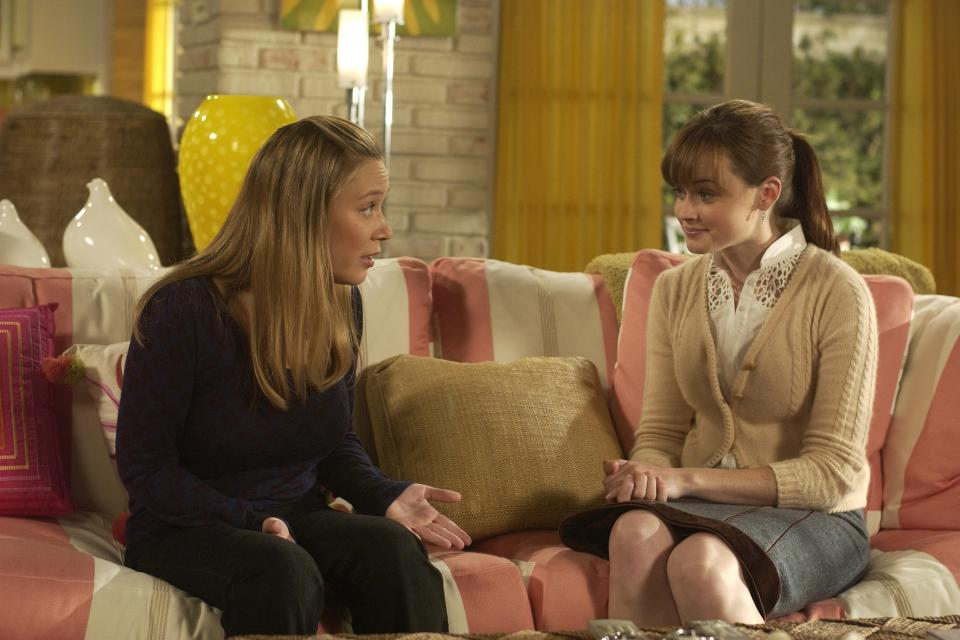 UNSPECIFIED - SEPTEMBER 29: Medium profile shot of Liza Weil as Paris sitting on couch and talking with Alexis Bledel as Rory. (Photo by Patrick Ecclesine/Warner Bros./Getty Images)