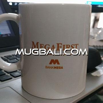 Contoh cetak mug pesanan bank Meda First Denpasar