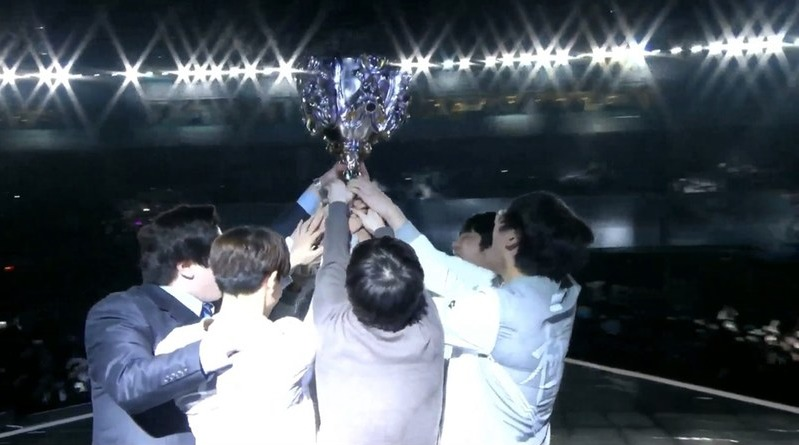 「League of Legends」世界大会 中国代表「Invictus Gaming」が優勝!
