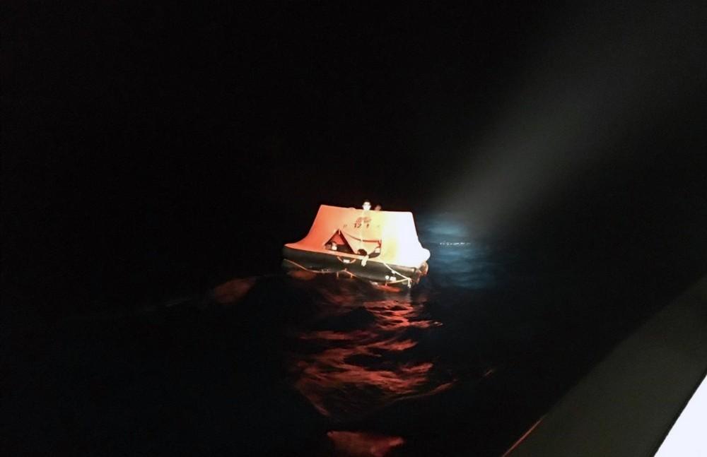 11 sığınmacı can salı içinde Türk karasularına itildi