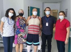İngiliz hastadan Eğitim Araştırma Hastanesi'ne teşekkür ziyareti