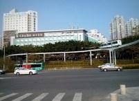 Jalur monorail di depan Splendid China